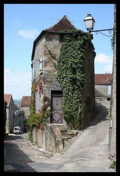 maison à  Vezelay 89 FRANCE