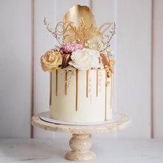 College Graduation Parties, Cake Decorating, Birthday Cake, Sweets, Baking, Beautiful Cakes, Desserts, Eye Makeup, Cookies