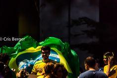 Ensaio fotográfico sobre a manifestação que levou um milhão de brasileiros às ruas em protesto a corrupção do Governo Dilma, escândalo da Petrobras e inflação no Brasil. Um dia que ficou marcado na história da política brasileira.