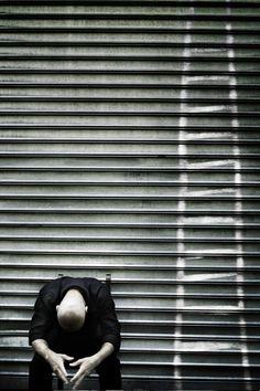Dorothy Shoes: Monologues et dystopies - L'Œil de la Photographie Magazine Dorothy Shoes, Social Trends, Monologues, Beautiful Mess, Another World, Place, Freedom, Concept, Pictures