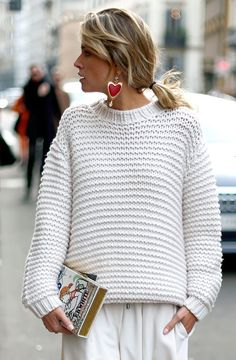 Street style white perfectly accessorised. Fab.