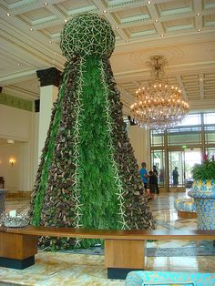 Palazzo Versace Christmas Tree by Jeremiah Christopher #PalazzoVersace #ChristmasTree #SeaShells #StarFish