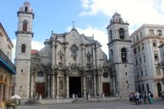 Havana Cathedral, one of the most impotent baroque building that you will find visiting the city.