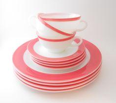 Pyrex Flamingo Pink Dishes - 11 Piece Dinnerware Set.