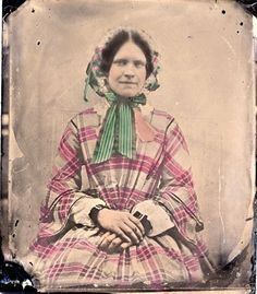 1850s fan front Old Pictures, Old Photos, Vintage Photos, Victorian Life, Victorian Fashion, 1850s Fashion, Civil War Dress, War Image, Victorian
