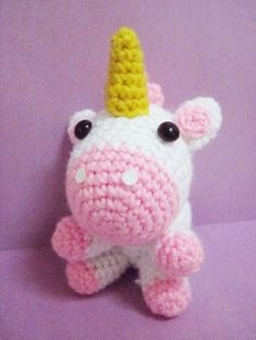 Crochet Unicorn <3 one day i shall try to make it ... but purple for paige :D