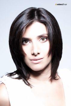 Der Haarschnitt kann in verschiedenen Längen und Variationen geschnitten werden. www.video2hair.com/de/home/58006574