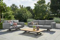 De Stockholm serie is dit jaar uitgebreid met losse loungebanken en een loungestoel. Deze prachtige sofa set bestaat uit een 3-zits, 2-zits bank en een salon tafel.