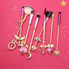 Sailor Moon Scepters & Moon Rods Gold 8 Piece Makeup Brush Set - Bijou Blossoms