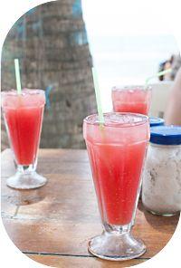 Saiba como fazer suco de melancia com berinjela para incluir na sua dieta para emagrecer. A berinjela é rica em fibras solúveis, ajudará o intestino a