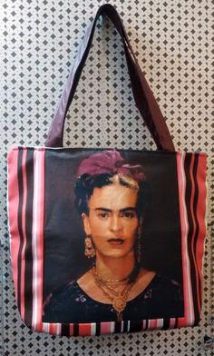 Maxi Bolsa Frida R$ 99,90.