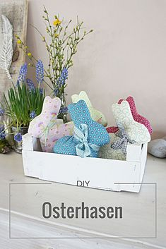 rabbit parade and winner - Sew Easter bunnies very easily with this guide / template. Easy easter DIY -DIY: rabbit parade and winner - Sew Easter bunnies very easily with this guide / template. Crafts To Sell, Diy And Crafts, Crafts For Kids, Diy Craft Projects, Decor Crafts, Diy Décoration, Easy Diy, Fall Crafts, Christmas Crafts