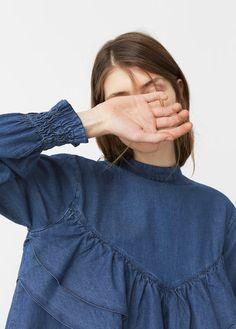 Denimowa bluzka z falbaną
