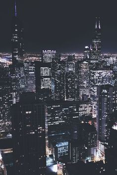 Shared by 𝑎𝑑𝑣𝑒𝑛𝑡𝑢𝑟𝑒 💫. Find images and videos about night, city and light on We Heart It - the app to get lost in what you love. Photographie New York, Travel Photographie, City Photography, Landscape Photography, Nature Photography, Photography Lighting, Cityscape Photography, Nature Architecture, Building Architecture