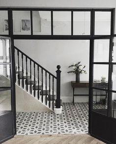 29 Ideas For Apartment Entrance Ideas Entryway Doors Entryway Stairs, Tiled Hallway, Entry Hallway, Entrance Decor, House Entrance, Entryway Decor, Entrance Ideas, Doorway Ideas, Garden Entrance