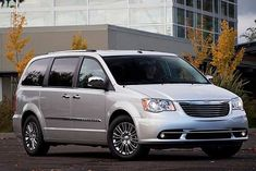 Ficha técnica completa do Chrysler Town Country Limited 3.6 V6 2012