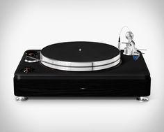 Toca Discos Shinola Runwell A Shinola Detroit apresentou o seu primeiro produto de áudio, a bela plataforma giratória Runwell. #tocadiscos #radiola #vinil