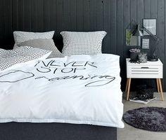 Zwart wit in de slaapkamer- Dekbedovertrek DICTE 240x220 KRONBORG