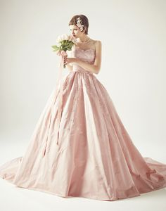 http://www.keitamaruyama.com/wedding/dress.html