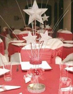 más y más manualidades: Bellas ideas para una fiesta con tema de estrellas Baby Shower Table Centerpieces, Party Centerpieces, Table Decorations, Class Reunion Decorations, Star Baby Showers, Star Party, Twinkle Twinkle, Twinkle Star, Holidays And Events