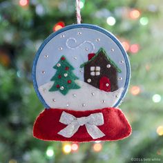 betz white snow globe ornament pattern: Holiday Stitch-along Ornament Club! made on small embroidery hoop Felt Christmas Decorations, Felt Christmas Ornaments, Noel Christmas, Handmade Ornaments, Christmas Makes, Handmade Christmas, Felt Ornaments Patterns, Christmas Projects, Holiday Crafts