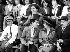 """CINE: Charlie Chaplin en """"Mabel at the Wheel"""" (1914) estrenada el 18 de abril de 1914, es la última película de Chaplin en la que no tiene participación en la dirección. La música es de Jimmy Dorsey. Más en: http://es.wikipedia.org/wiki/Mabel_at_the_Wheel"""