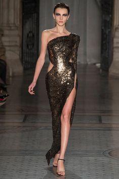 Julien Macdonald Otoño Invierno 2014/2015 London Fashion, Runway Fashion, High Fashion, Fashion Show, Julien Macdonald, Podium, Haute Couture Dresses, Red Carpet Dresses, Looks Style