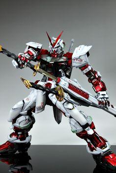 PG 1/60 MBF-PO2 Gundam Astray Red Frame. Modeled by Suny Buny