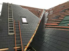 Our Toronto based professional roofing contractors at The Roofers provides roof replacement services. Certain signs to look for includes Bare Spots, Broken, Buckling, Curling which indicate that roof require replacement. Roof Detail, Slate Roof, Roofing Contractors, Roof Design, Wooden House, Metal Roof, New Construction, Home Projects, That Look