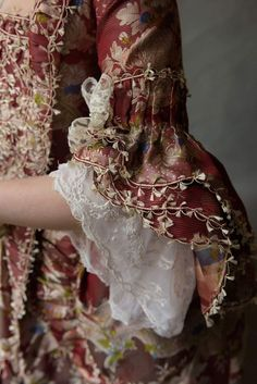 Projects to Try Jahrhundert # Jahrhundert Women's Guide to Getting Their Dream Diamond Engag 18th Century Dress, 18th Century Clothing, 18th Century Fashion, Rococo Fashion, Victorian Fashion, Vintage Fashion, 1800s Fashion, Vintage Couture, All Fashion