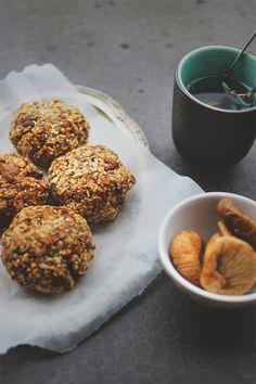 happyfoodstories: Superboller m. nøtter, frø & tørket fiken
