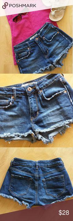 "Bullhead jeans shorts Bullhead frayed high rise jean shorts. Great condition. Size 00. 24"" inch waist Bullhead Shorts Jean Shorts"