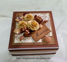 Caixa decorada flores porcelana fria