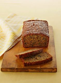"""Easy Banana Bread recipe best banana bread ever! Won me the honour of """"your the best Mom ever""""! Easy Banana Bread, Chocolate Chip Banana Bread, Banana Bread Recipes, Chocolate Chips, Banana Nut, Chocolate Powder, Easy Bread, Pumpkin Recipes, Brunch Recipes"""