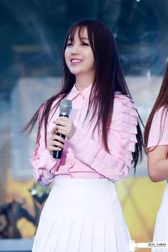 [PIC]150822 #Lovelyz 'Kei' - HearthStone Masters Final Event   ©in pic http://cfile25.uf.tistory.com/image/263CD23955D92C361024AC…