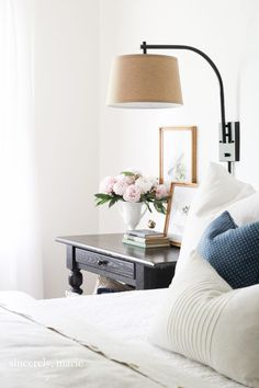 Ways to Create a Light & Airy Bedroom Space saving tips to create a light and airy bedroom.Space saving tips to create a light and airy bedroom. Airy Bedroom, Bedroom Lamps, Bedroom Lighting, Bedroom Sets, Home Decor Bedroom, Modern Bedroom, Modern Wall, Bedroom Chandeliers, Master Bedroom