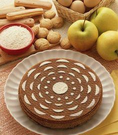 Questa torta di mele classica arricchita con il cacao, che le dà un sapore e un aroma particolari, è una variante che farà venire l'acquolina in bocca a molti, grandi e piccini