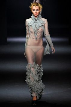 See the complete John Galliano Fall 2012 Ready-to-Wear collection.
