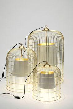 Suspensions-cage dorée de la marque Ascète, designer : Pierre Gonalons... Poétique et aérien !