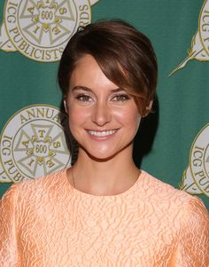 great short haircuts shailene woodley hairstyles and hair inspiration on 1271 | 3ea116abf1271a63b0f79be00c214585