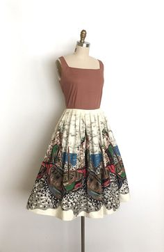 Shopping For The Vintage Shoes - Popular Vintage Vintage Fashion 1950s, Vintage Prom, Vintage 1950s Dresses, Vintage Wear, Vintage Clothing, Vintage Style, 1950s Outfits, Vintage Outfits, Modest Fashion
