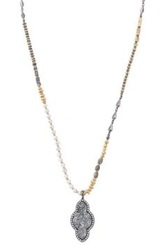 Our hematite necklace with mixed metal beads is just the thing for elegant ladies this fall. Find a hematite pendant & more pendant necklaces at Stella & Dot.