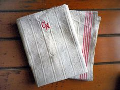 Vintage Towles Set of Two towels White Red by SuitcaseInBerlin