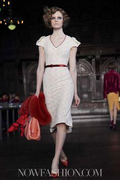 L'Wren Scott - ny fashion week 2012 - vintage cream pattern & red