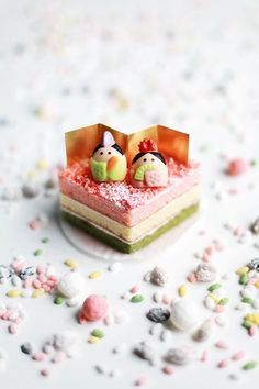 hinamatsuri cake. Hinamatsuri is celebrated each year on March 3 in Japan. (雛祭り, ひな祭り)