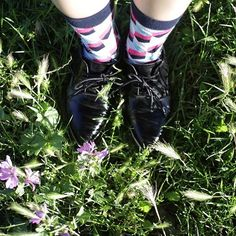 ✈️ Worldwide Delivery 🎁free shipping on orders over $34 www.goldenrabbithole.com  #socks #brand #socksbrand  #sockstagram #shoes #design #lookbook  #color #colourful #onlinestore  #like4like  #ootd #women #gq #gqstyle  #gift #accessories #swag #streetstyle #stylish #dandy #photoshoot #style  #grass #park #flowers