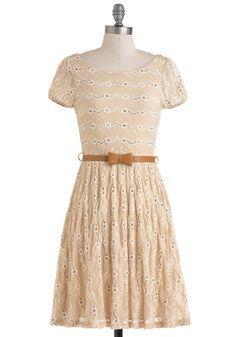 Maple Walnut Cupcakes with Creamy Maple Frosting and Dramatic Monologue Dress #modcloth #styleserving