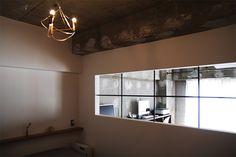 漆喰壁の寝室 by EIGHT DESIGN