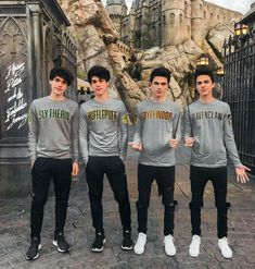 Boy Celebrities, Bollywood Celebrities, Celebs, The Dobre Twins, Rivera Family, Taytum And Oakley, Brent Rivera, Cute Twins, Poses For Photos