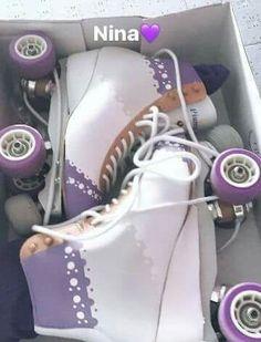 Los patines de nina ♡♡♡♡♡♡♡_♡_♡_♡_♡♡_♡_♡_♡_♡_♡♡_♡_♡_♡_♡_♡♡_♡_♡_